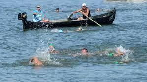Арх. Весела Маркова и синът й Георги най-бързи в преплуването на река Дунав