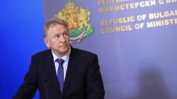 Здравният министър обяви нови противоепидемични мерки