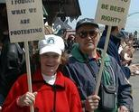 протест на стари години