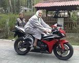 Баба на мотор