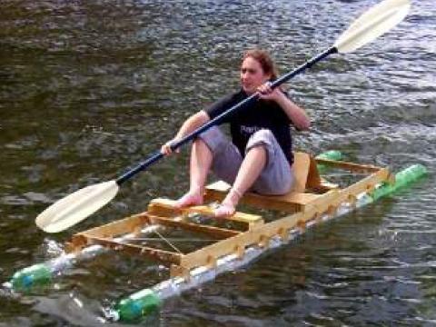лодка из полторашек видео