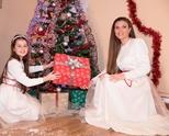 Цветелина с нова авторска Коледна песен